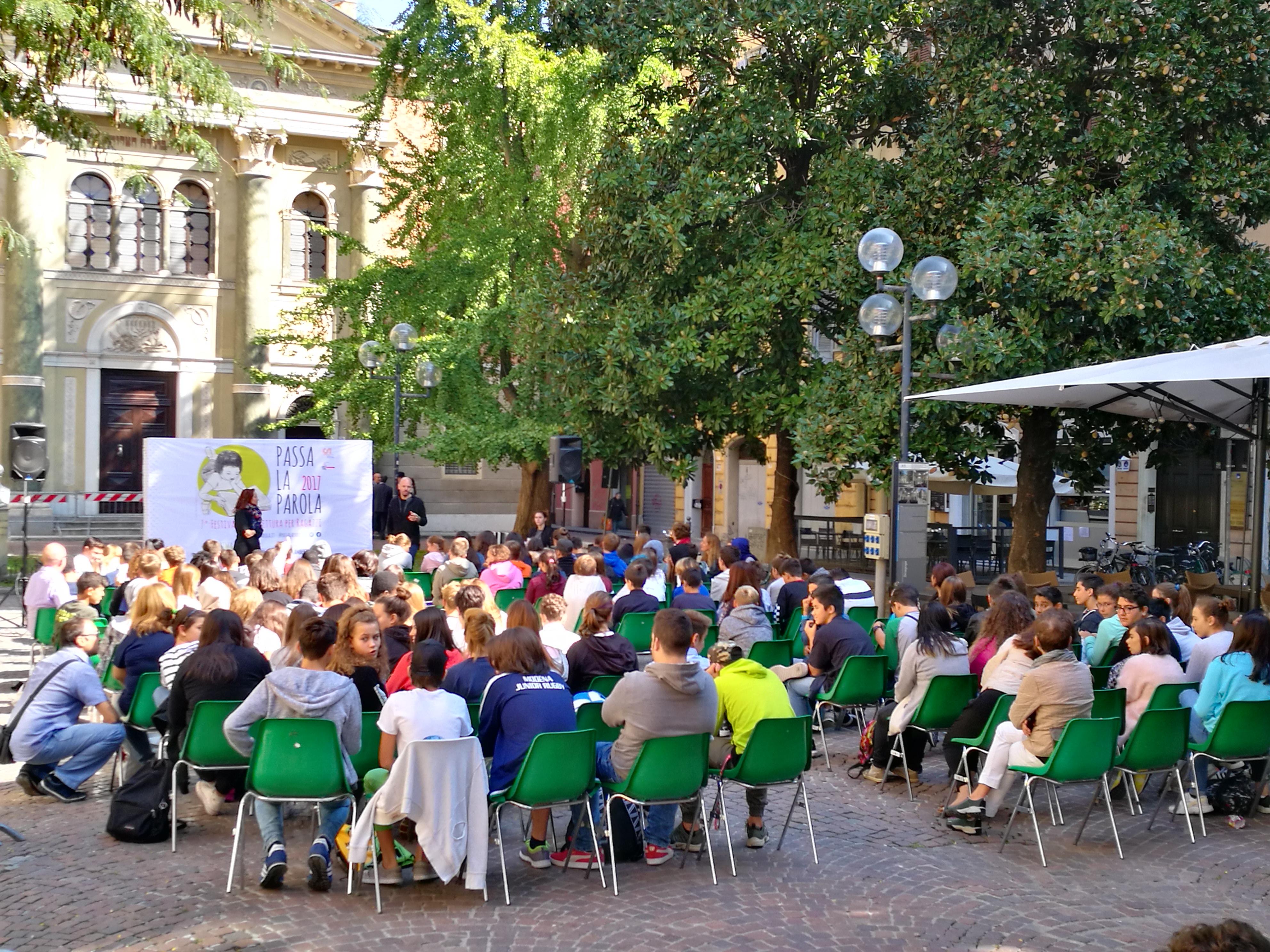 Gli autori che incontreranno le scuole di Modena